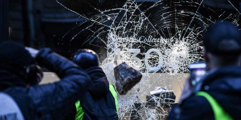 vitrine cassée Paris GJ